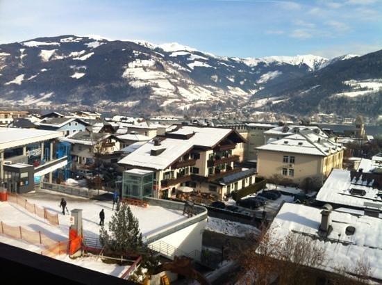 Sporthotel Alpin:                   Ausblick Zimmer 349