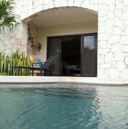 Secrets Maroma Beach Riviera Cancun:                   swimout room