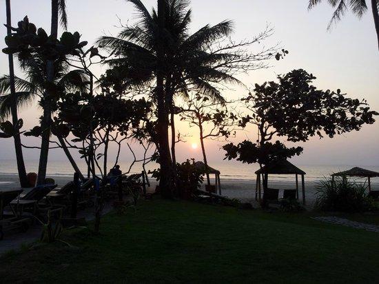 The Palm Beach Resort:                                     Sunset