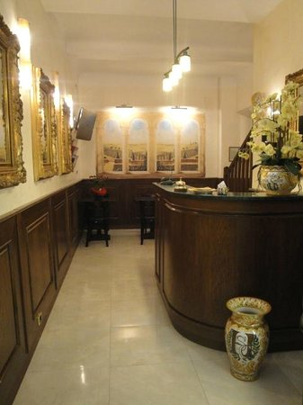 Hotel Santa Croce: Hall and Reception