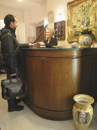 Hotel Santa Croce: Check-in and Check-out