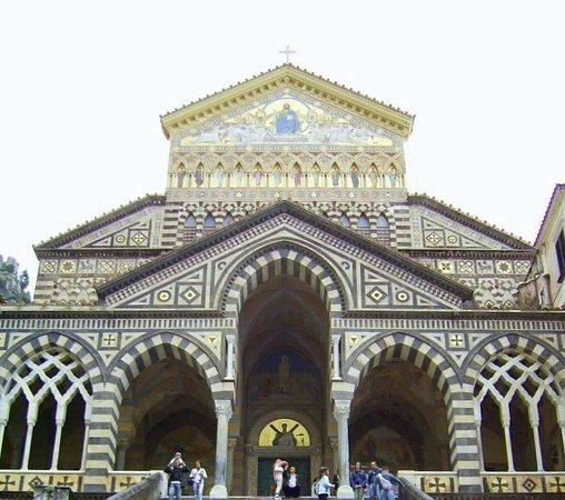 Duomo di Sant'Andrea Apostolo: la facciata