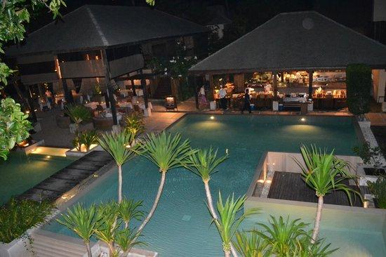 Anantara Rasananda Koh Phangan Villas:                   PISCINA IN NOTTURNO