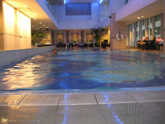 Oakwood Premier Joy - Nostalg Center Manila: Indoor heated pool