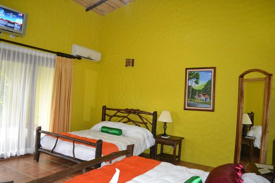 Hotel Mountain Paradise: Our room