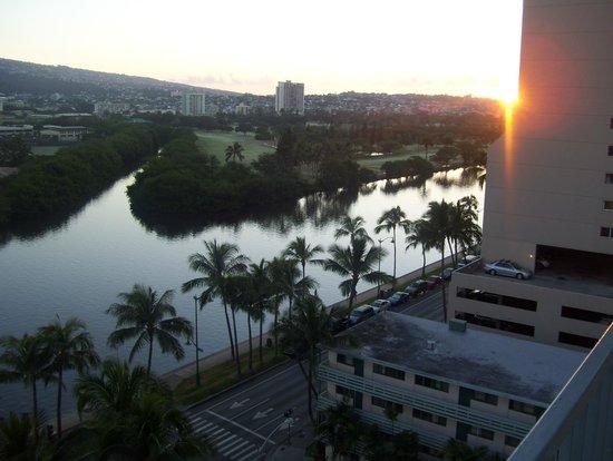 Coconut Waikiki Hotel: view 2