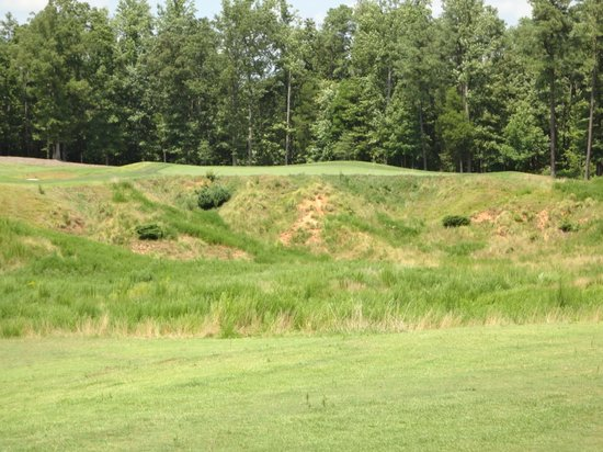 Royal New Kent: 2nd approach, if you're crazy enough to go for the green in two