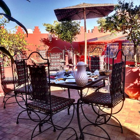 Riad La Porte Rouge:                   Breakfast on the Rooftop Terrace