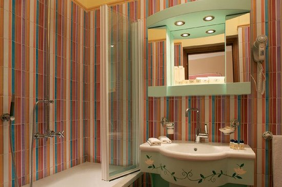 Hotel Prestige Sorrento: Bathroom