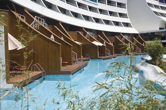 Cornelia Diamond Golf Resort & Spa: Lake Family Rooms