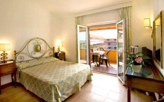 Fattoria La Principina Hotel: Fattoria La Principina: camera standard