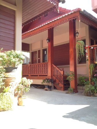 Chok-Wasana Guest House:                   ภายนอก