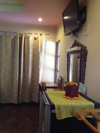 Chok-Wasana Guest House:                   อุปกรณ์อำนวยความสะดวกภายในห้องพัก