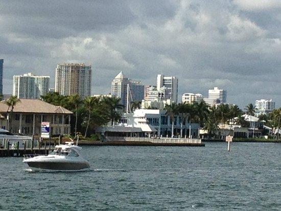 Pelican Landing Restaurant : View of Intercoastal from Pelican Landing