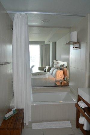 W Fort Lauderdale:                   The bathroom