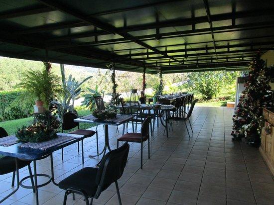Vista Linda Montaña:                   Hier wird das Frühstück serviert