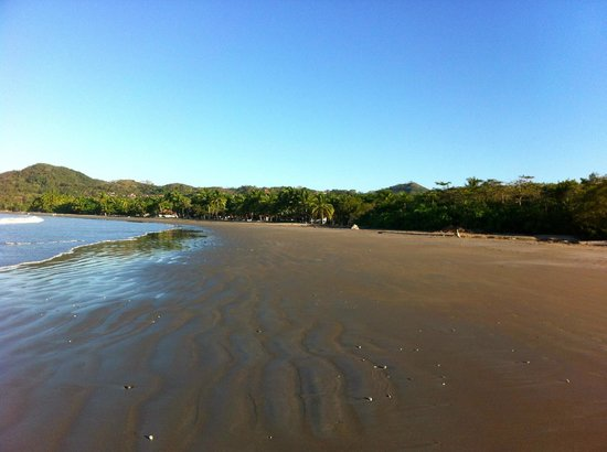 Hotel Villas Playa Samara:                                     The wide and nice costa rican beach