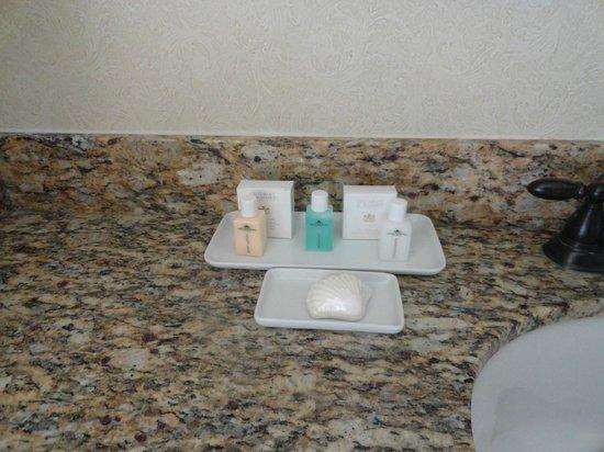 French Lick Springs Hotel:                   Amenities in bathroom