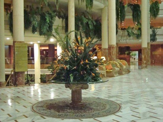 Spring Arona Gran Hotel:                   Lobby