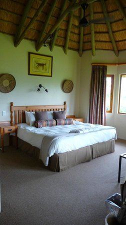 Montusi Mountain Lodge:                   Bedroom