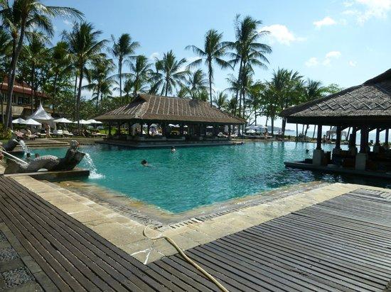 INTERCONTINENTAL Bali Resort: Piscine principale