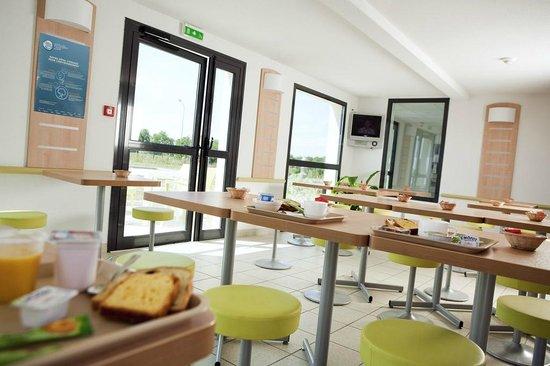 Ibis Budget Niort : Salle petit déjeuner