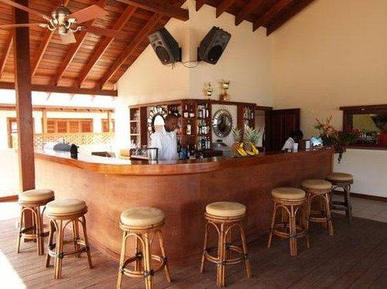 Le Phare Bleu Boutique Hotel & Marina: The Deck Bar
