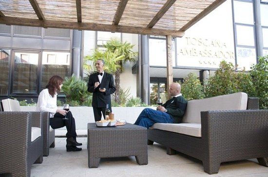 Toscana Ambassador: Garden Bar