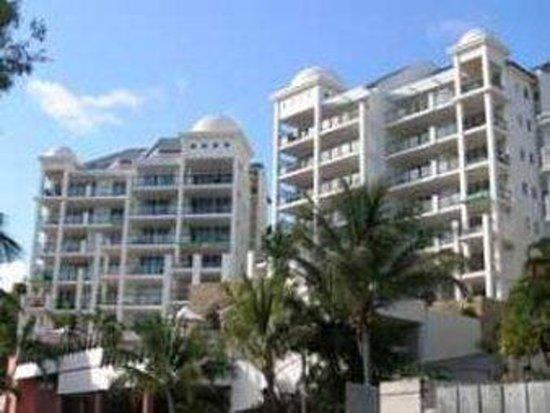 Blue Horizon Resort Apartments: Exterior