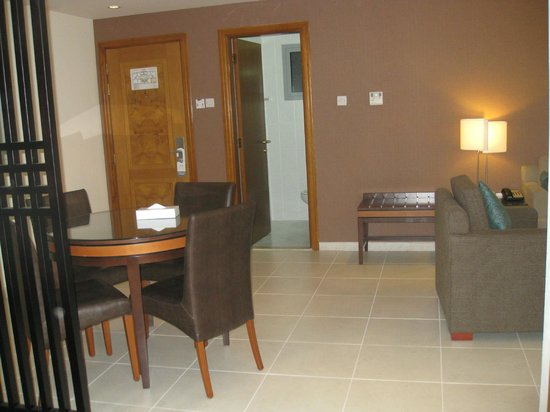 Xclusive Hotel Apartments: lounge area