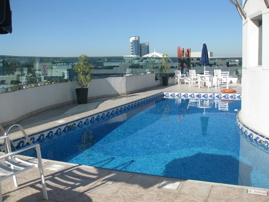 Xclusive Hotel Apartments: roof top swimming pool