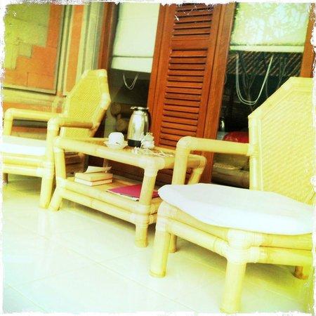 Nick's Homestay: lovely terrace, lovely tea
