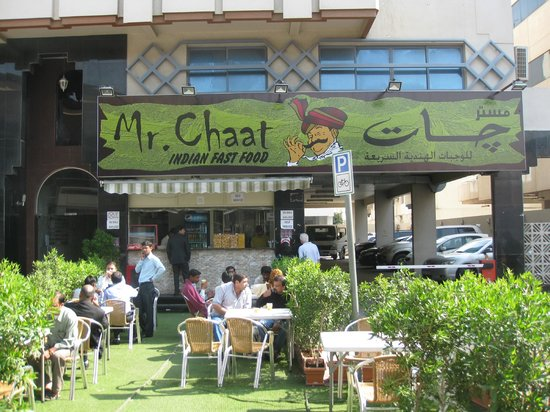 Xclusive Hotel Apartments: Mr Chatt - Indian street food