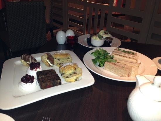 Holiday Inn Winchester:                   afternoon tea