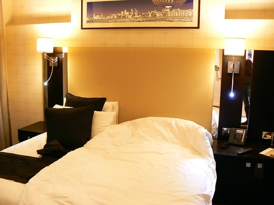 Rydges Kensington London:                   Bed
