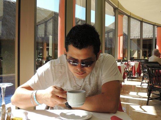 Barceló Montelimar:                   disfrutando una colasion