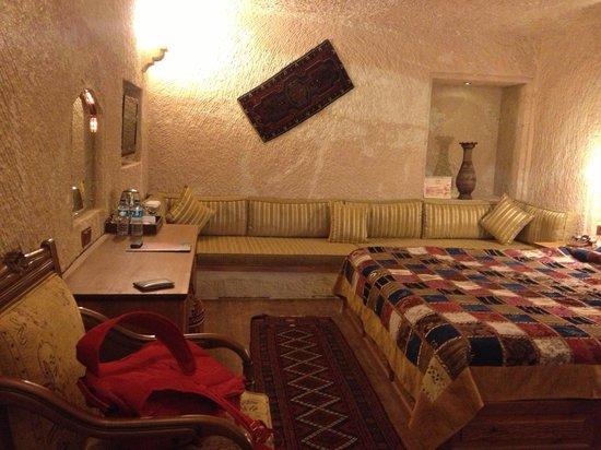 MDC Hotel: Room 102