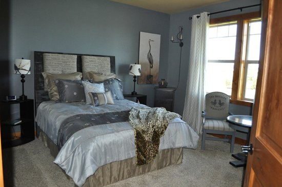 Quimby's Pond Bed and Breakfast : Red Hills Room