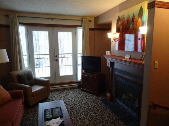 Le Sommet des Neiges :                                     Living Room