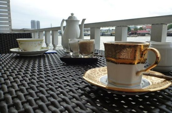 Ibrik Resort by the River:                   it's tea time ;)