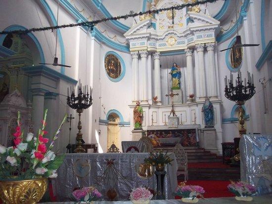 Portuguese Church, Kolkata inside (picture courtesy TripAdvisor)