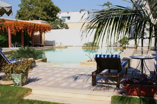 Royal Heritage Haveli: piscine