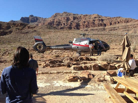 colorado river picture of maverick helicopters las. Black Bedroom Furniture Sets. Home Design Ideas