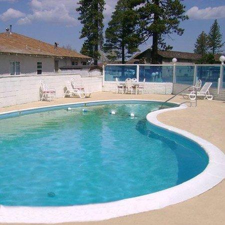 ليك تاهوي إن: Lake Tahoe Inn Lake Tahoe Ca Pool