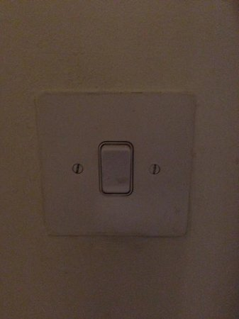 Radisson Blu Hotel, Birmingham:                                     Dirty Switch like the rest of the room!
