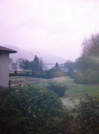 Another Place, The Lake : snow on the mountains, view from bedroom