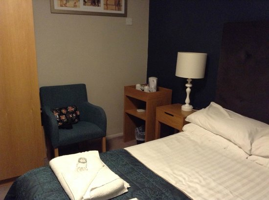 The Ship and Castle Hotel:                                     Room 119