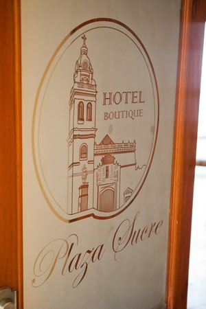 Hotel Boutique Plaza Sucre:                                     Entryway