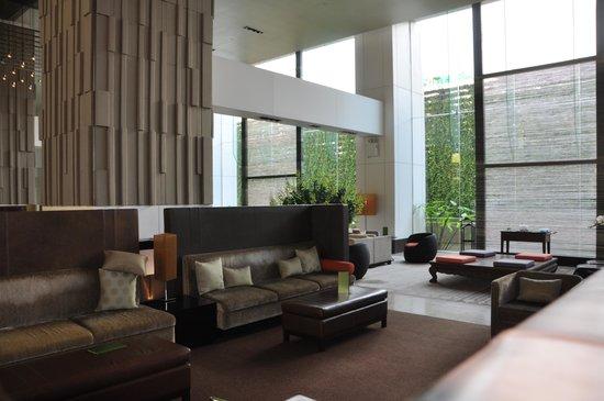 Millennium Hilton Bangkok: lobby
