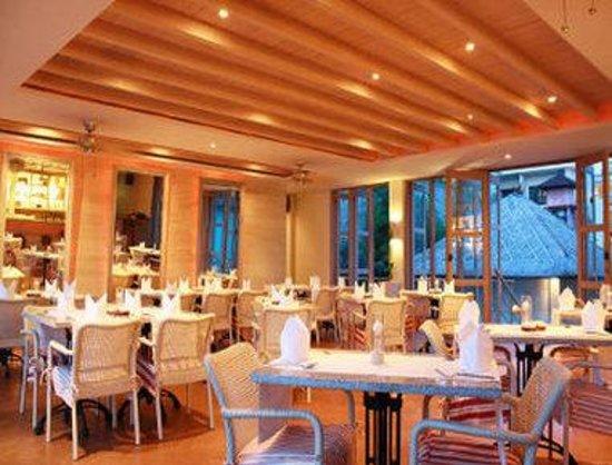 Radisson Bali Legian Camakila: Tao Beach House Restaurant